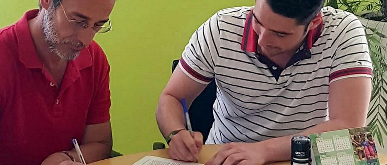 Momento de la firma.